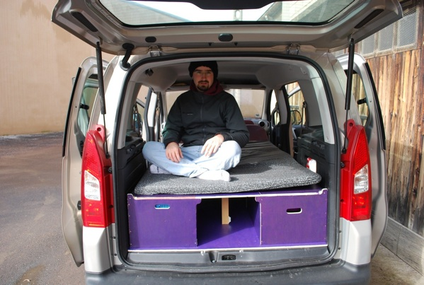 am nagement d un berlingo en ludospace. Black Bedroom Furniture Sets. Home Design Ideas